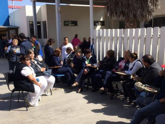 Convocan al diálogo a sindicatos de salud