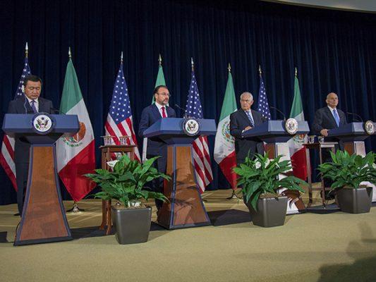 Vital, frenar tráfico de drogas a EU y armas a México