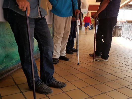 Protestan policías con discapacidad, los obligan a laborar