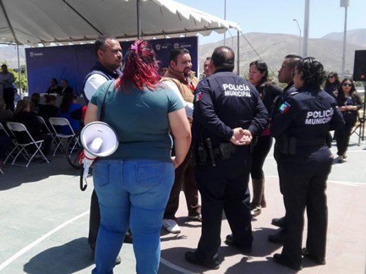 [VIDEO] Protestan ciudadanos en evento del alcalde