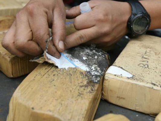Funcionario municipal intenta cruzar droga a EU