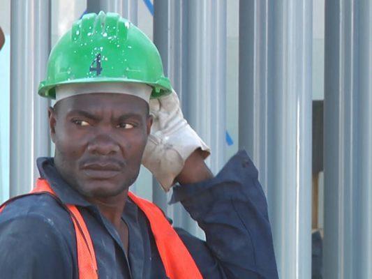 Buscan en BC migrantes haitianos que trabajan tengan prestaciones
