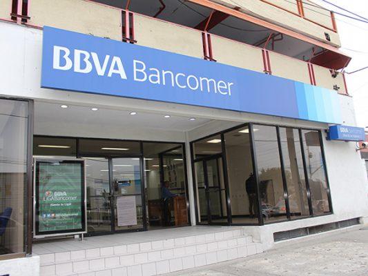 Sujetos armados robaron un banco