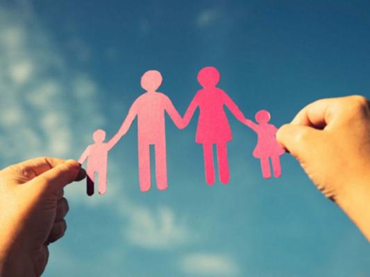 Divorcios y falta de valores extinguen  familia tradicional