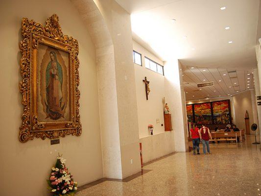 Defiende arzobispo la nueva catedral, desdeña la anterior
