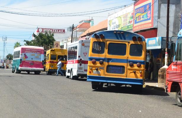 Transporte público de La Paz es el más caro y malo del país: Pablo Partida