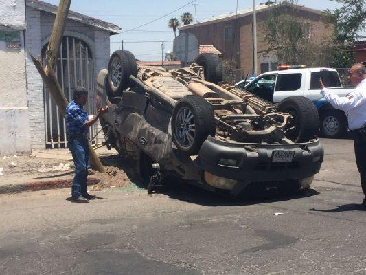 Grave embarazada tras choque en Pueblo Nuevo