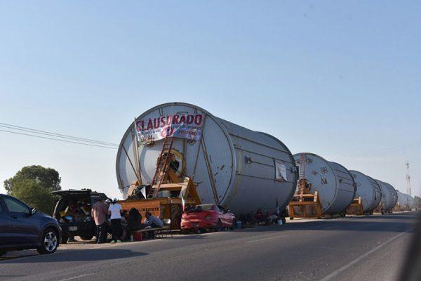 Bloquea Mexicali Resiste los tanques de Constellation Brands