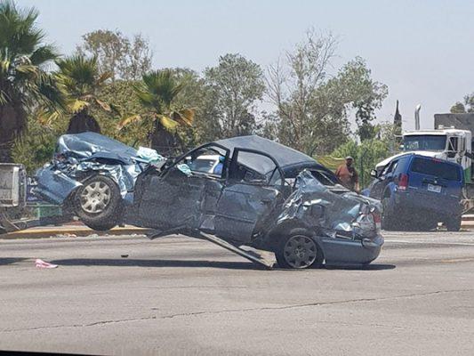 [Fotonota] Choque en bulevar Insurgentes deja varios heridos