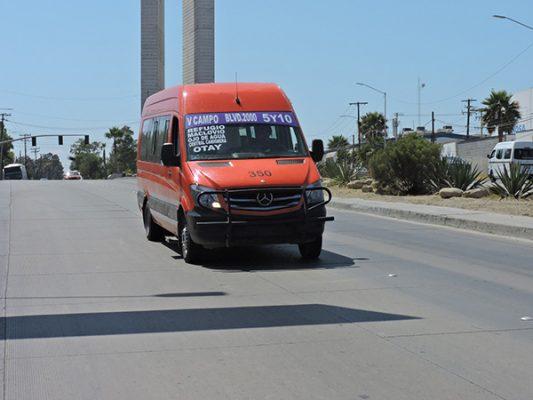 Censuran tarifas en tres transportes masivos