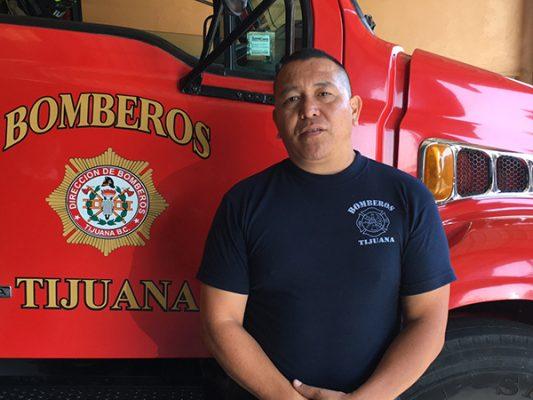 Asegura bombero de Tijuana que lleva su vocación en la sangre