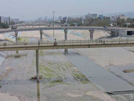En cuarterías viven los indigentes, en  pluviales del canal