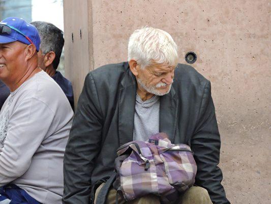 Sufren ancianos explotación laboral y hasta abandono