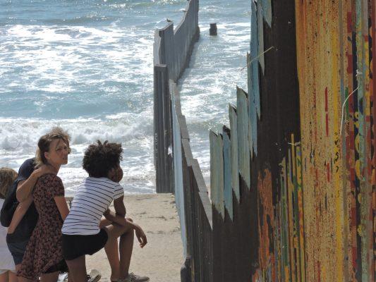 Muro inicia en San Diego, por ser la frontera más activa