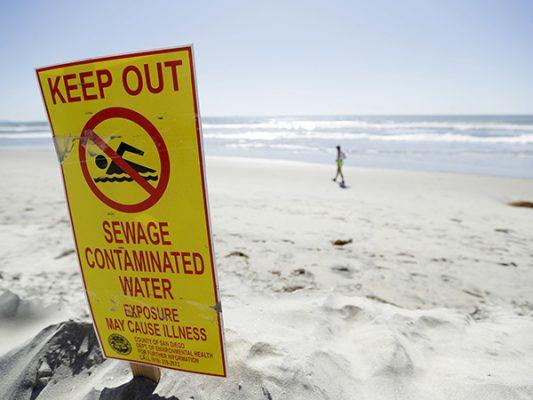 Presiona Imperial Beach por derrame de aguas negras