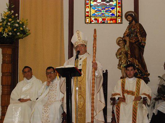 Renueva votos el Arzobispo a un año de su llegada