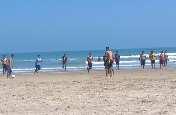Dos bañistas mueren arrollados por una avioneta en una playa portuguesa