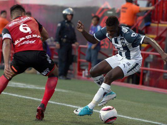 Monterrey arrolla a Xolos