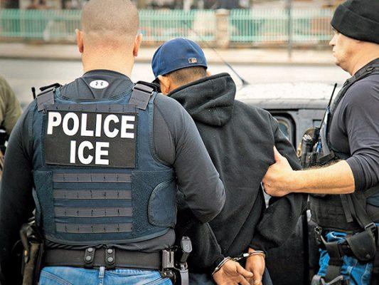 Corte de EUA suspende orden de deportación de padre indocumentado