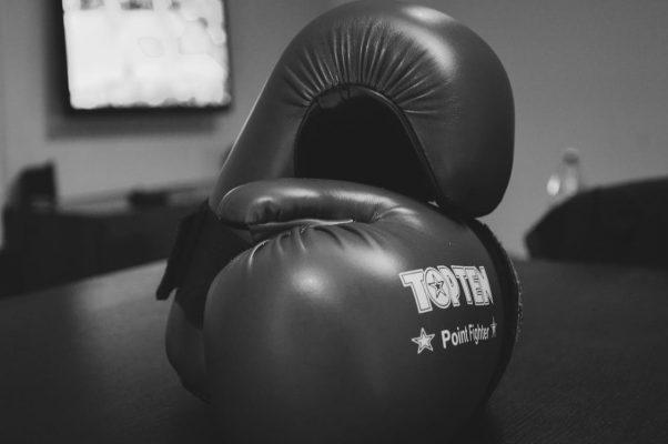 Muere boxeador que estaba en coma tras desplomarse en pleno combate