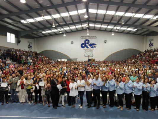"""Concluyen 1700 padres de familia curso """"Escuela para Padres"""""""