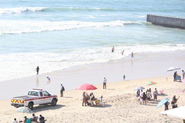Ebrios, exhibicionistas y padres descuidados, de los principales problemas en Playas de Tijuana