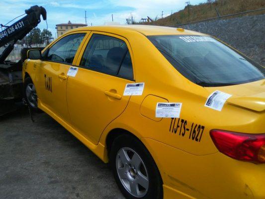 Intentan regresar Amarillos a garita de SY; Ayuntamiento los remolca