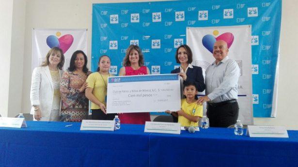 Entrega donativo DIF Tijuana a Club de Niños y Niñas