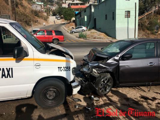 Taxi de Ruta choca y lesiona a 6 por el Aguaje de la Tuna