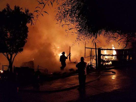 Incendio consumió cuatro viviendas
