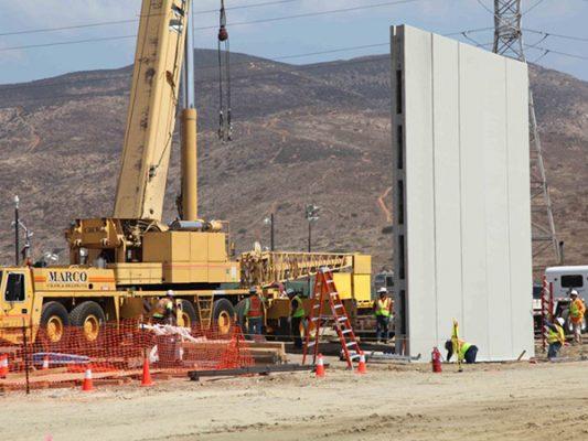Muro de 7 metros, con cámara y sensores