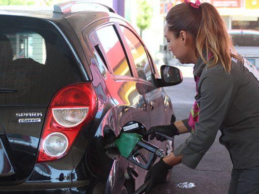 20 empresas pondrán gasolineras en BC