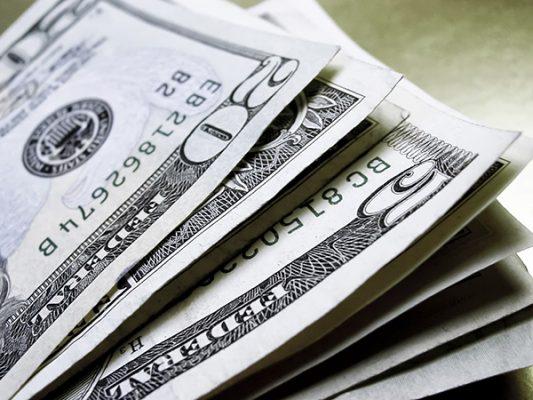 19.50  podría costar el dólar a fin de año