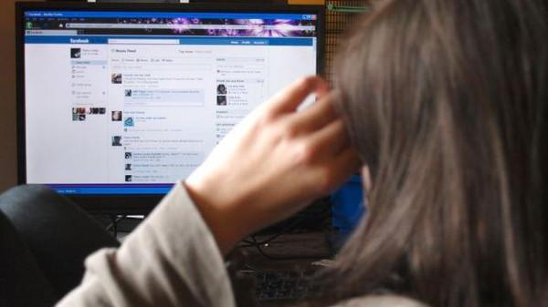 Mujer asesina a hombre que conoció por Facebook