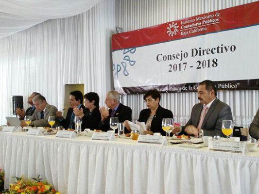 Rinde protesta nuevo Consejo Directivo de Contadores
