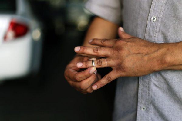 Innecesarias causales para tramitar divorcios