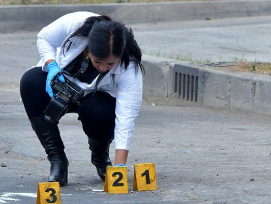 Asesinan a 4, entre ellos 2 estrangulados