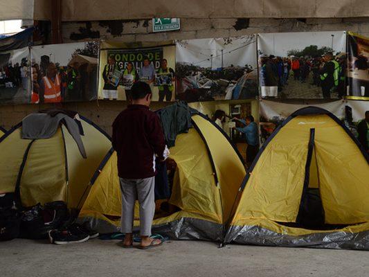 Salvadoreños buscan asilo político en EU