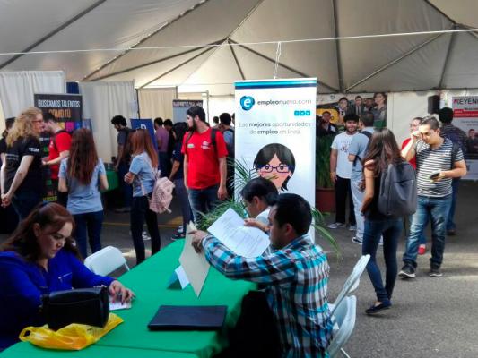Feria del empleo en UABC ofrece 800 vacantes a estudiantes y egresados