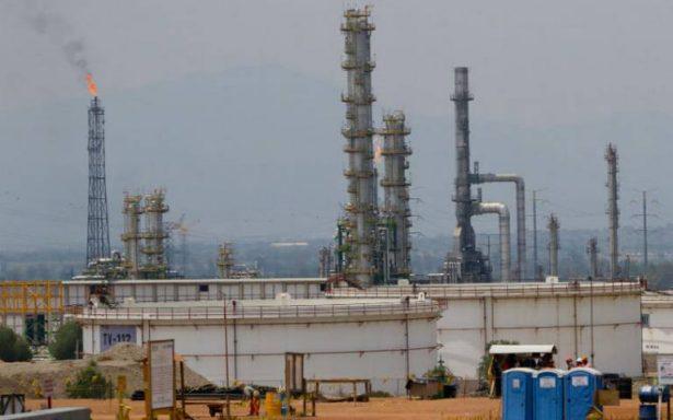Deuda de Pemex bajó 2.8% en nueve meses