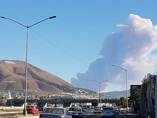 Persisten incendios en Tijuana