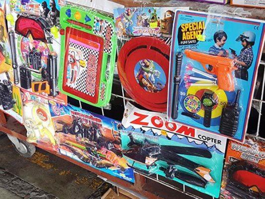 Exhortan autoridades evitar regalar juguetes bélicos en Navidad