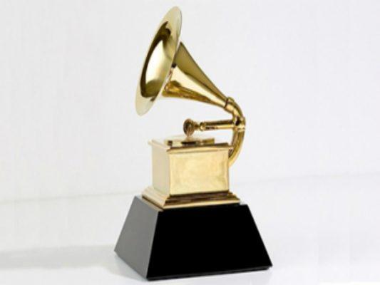 Histórica ausencia de hombres blancos en mejor disco de Grammys