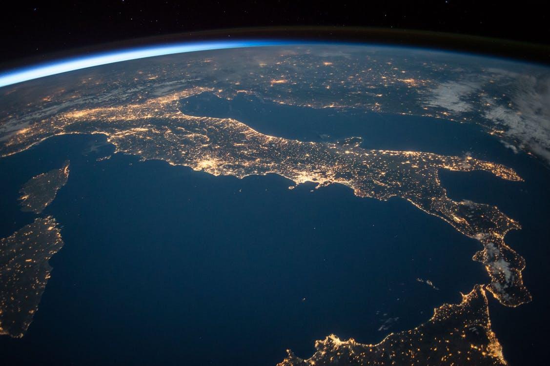 Astronautas regresan a la Tierra a bordo de nave rusa Soyuz