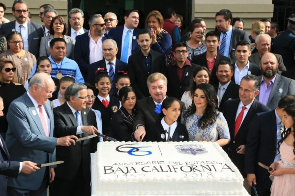 Celebra Baja California 66 aniversario