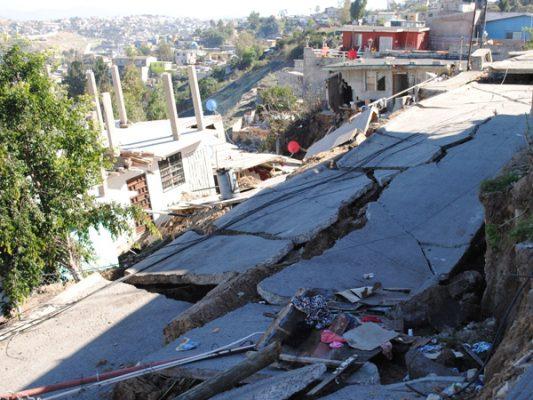 Se entregará a alcalde estudio preliminar sobre hundimiento en Lomas del Rubí