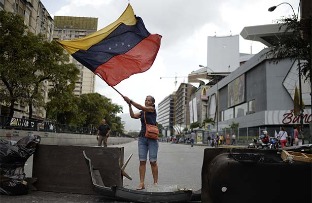 Sigue influencia mundial en busca de arreglo pacífico en Venezuela