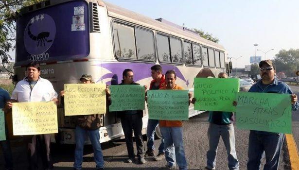 Transportistas de NL protestan en contra del gasolinazo