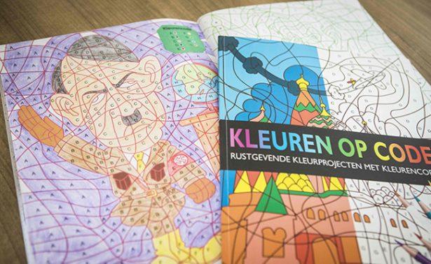 Aparece Hitler en  libro para colorear