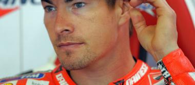 Tras ser atropellado, muere Nicky Hayden en Italia